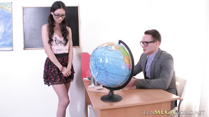 Arwen Gold - Teacher Fucks A Teen